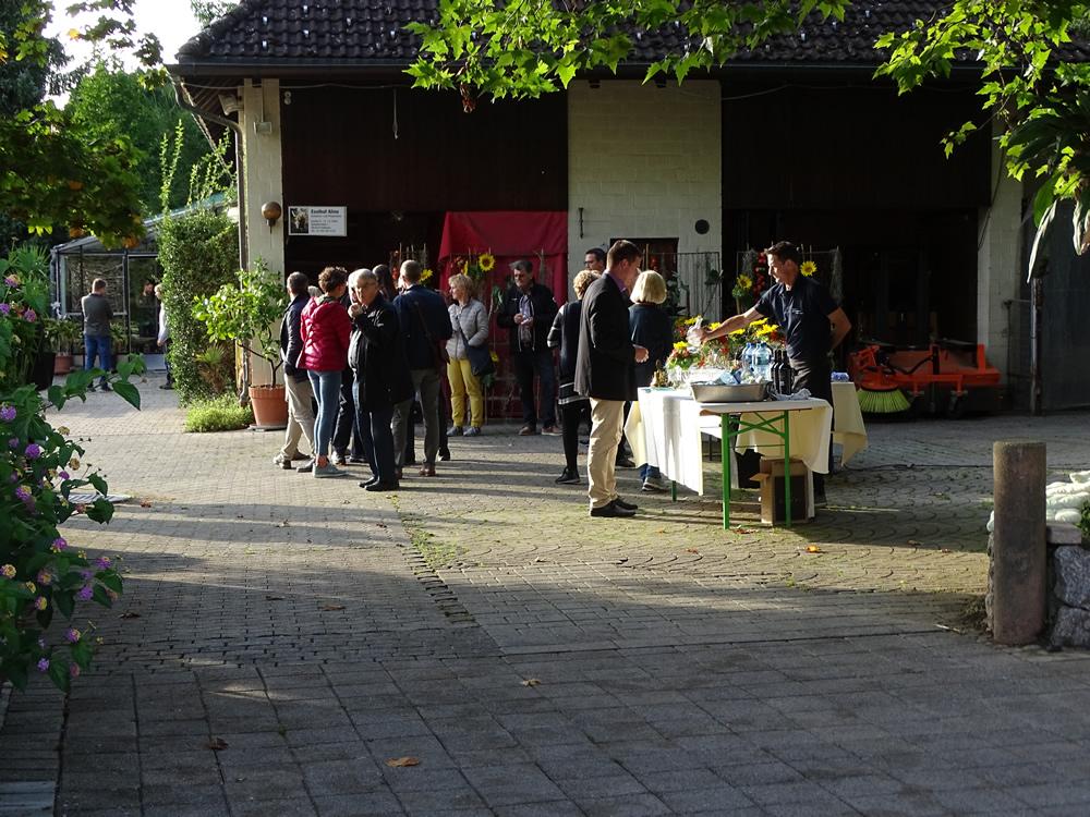 Besuch Lyons Club-Rapperswil-Jona beim Eselhof Aline beim Apero