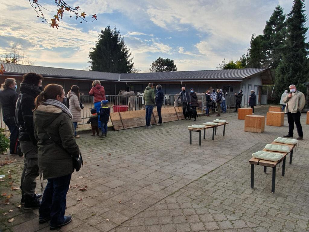 Besucher am Eseltag am 21-Nov-21 beim Eselhof Aline